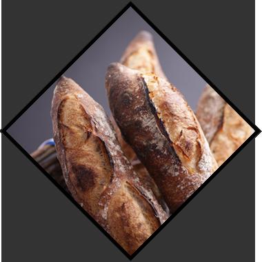 味・食感。そしてパンに必要なもう一つの要素「香り」。 「香ばしくて安心できる香り」。その香りは京都の大地が生んだ香りです。 パンを噛みしめるごとにあふれだす香りは、オペラの素材と技術が生みだす本来のパンの香りなのかもしれません。